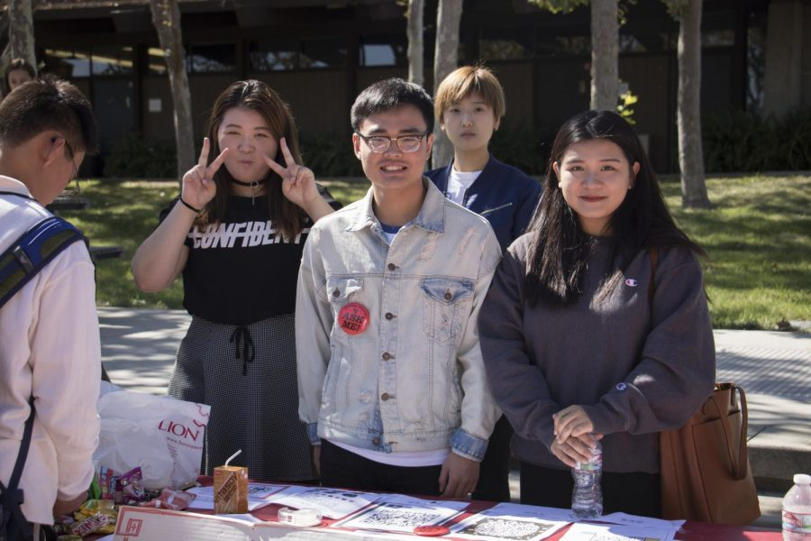 International Students recruit members for their club at Fall Quarter Club Day
