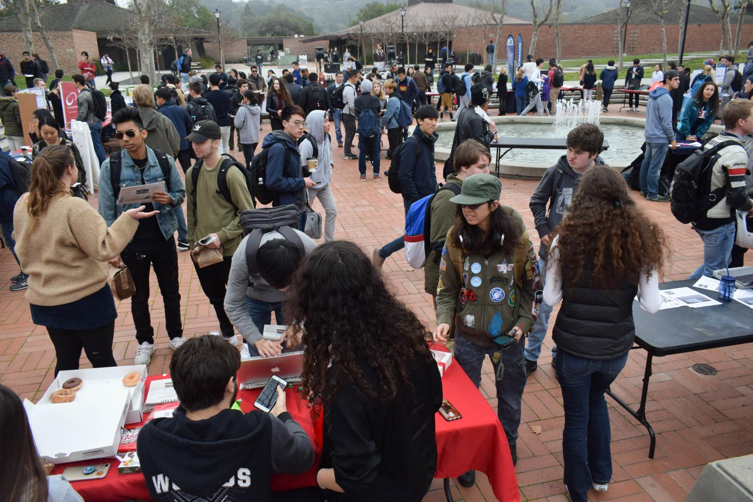 Students Emphasize Peer Support at Winter Quarter Club Days
