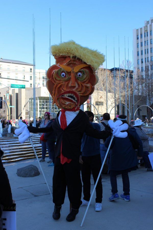 A+Donald+Trump+costume+held+the+center+of+attention+at+Women%27s+March+San+Jose