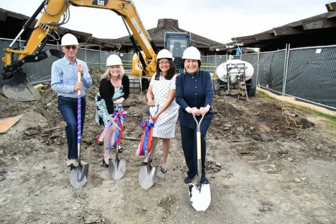 From left to right: Ron Labetich, Tess Chandler, Thuy Nguyen, and Judy Miner at the groundbreaking for the new Veterans Resource Center plaza.